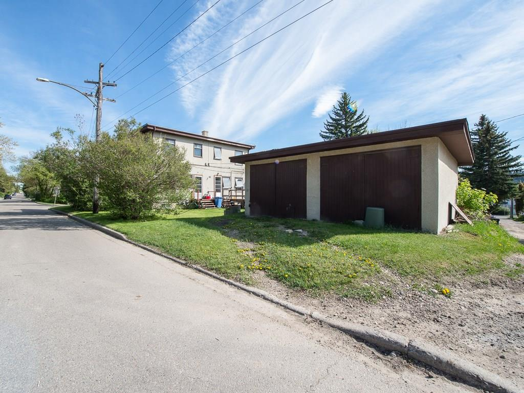 Photo 3: 923 36A Street NW in Calgary: Parkdale House for sale : MLS(r) # C4117421
