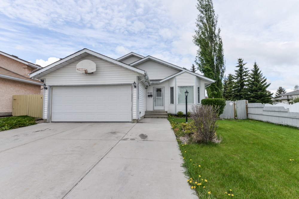 Main Photo: 1640 42 Street in Edmonton: Zone 29 House for sale : MLS(r) # E4066146