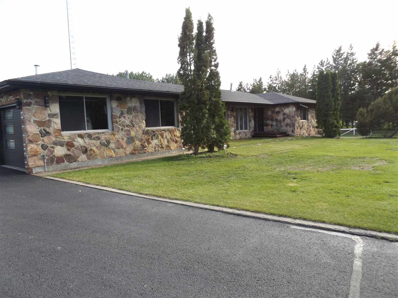 Main Photo: 17 51528 RGE RD 262: Rural Parkland County House for sale : MLS® # E4068958