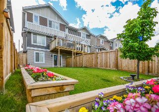 Main Photo: 2389 Sparrow Crescent in Edmonton: Zone 59 House Half Duplex for sale : MLS® # E4069759