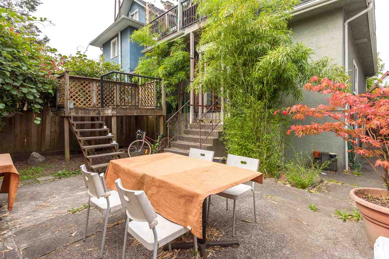 "Photo 20: 1232 VICTORIA Drive in Vancouver: Grandview VE House for sale in ""COMMERCIAL DRIVE"" (Vancouver East)  : MLS® # R2195634"