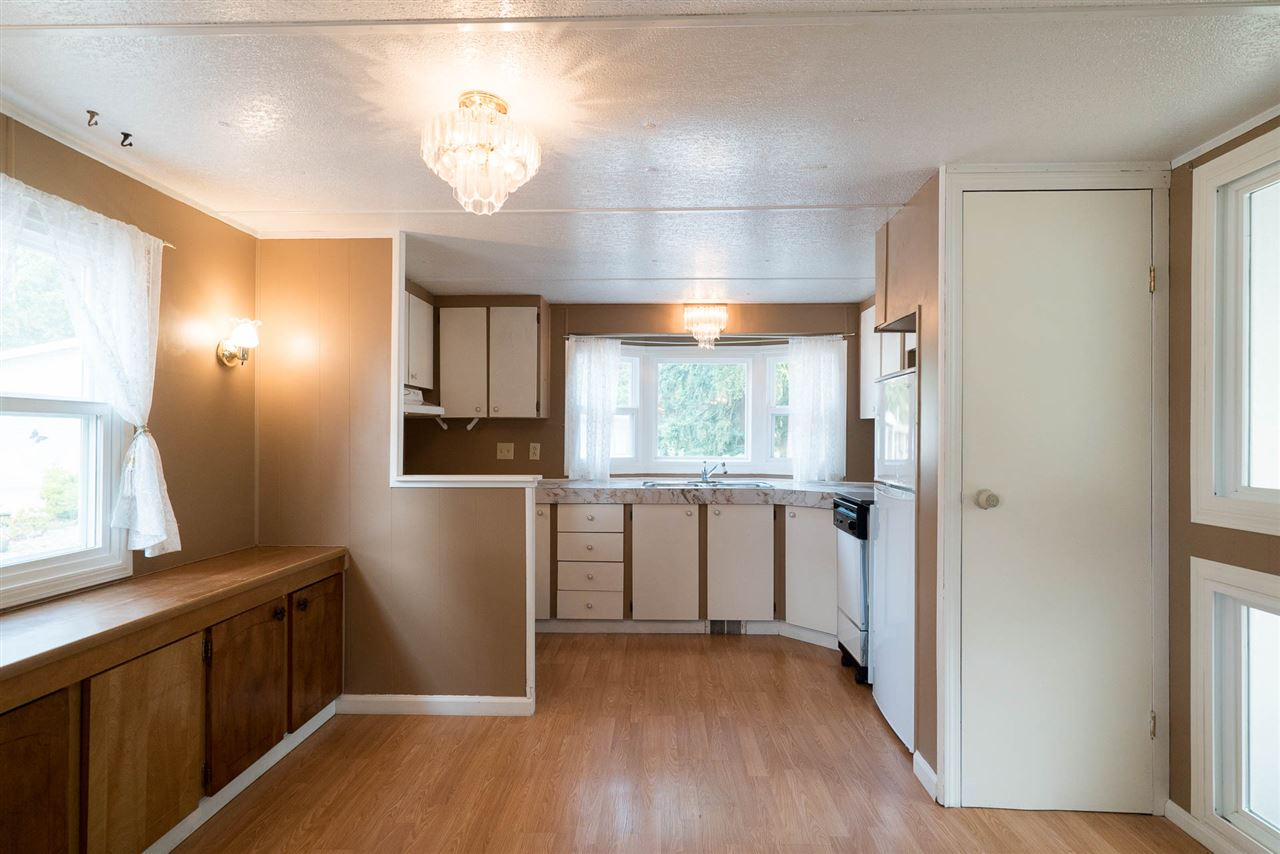 "Photo 2: 45 20071 24 Avenue in Langley: Brookswood Langley Manufactured Home for sale in ""FERNRIDGE"" : MLS® # R2195539"
