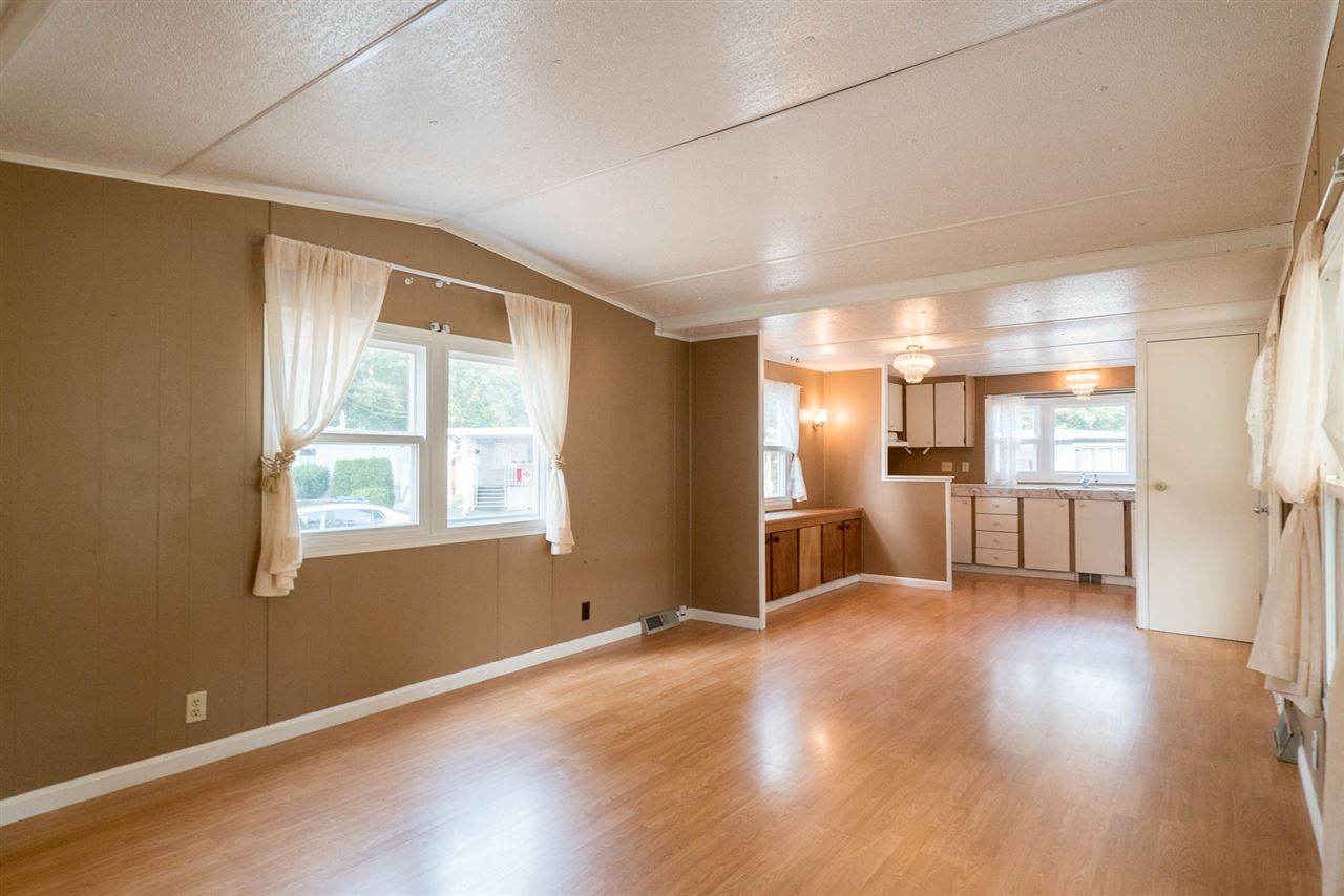 "Photo 6: 45 20071 24 Avenue in Langley: Brookswood Langley Manufactured Home for sale in ""FERNRIDGE"" : MLS® # R2195539"