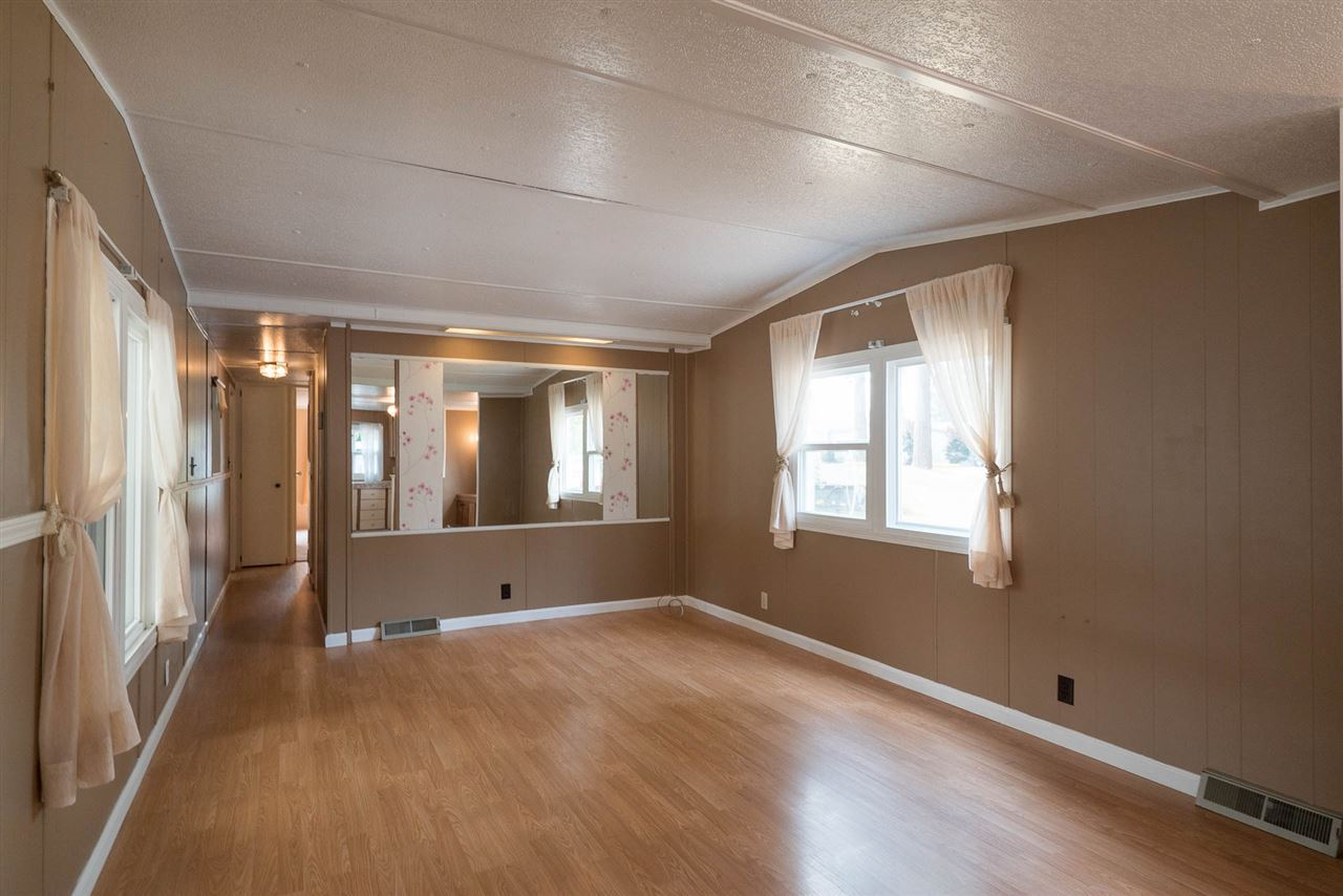 "Photo 5: 45 20071 24 Avenue in Langley: Brookswood Langley Manufactured Home for sale in ""FERNRIDGE"" : MLS® # R2195539"