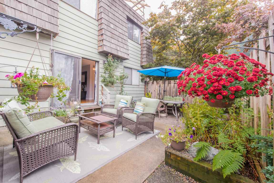 Main Photo: 1134 PREMIER Street in North Vancouver: Lynnmour Townhouse for sale : MLS® # R2204254