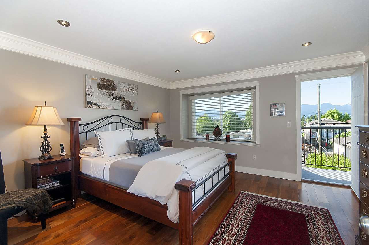 Photo 8: 645 E 30TH Avenue in Vancouver: Fraser VE House for sale (Vancouver East)  : MLS® # R2204654