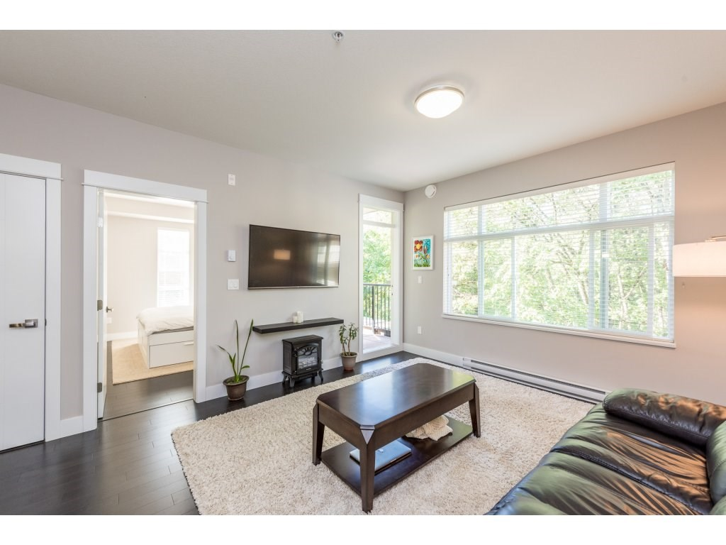 "Photo 3: 508 2495 WILSON Avenue in Port Coquitlam: Central Pt Coquitlam Condo for sale in ""ORCHID RIVERSIDE CONDOS"" : MLS® # R2204780"