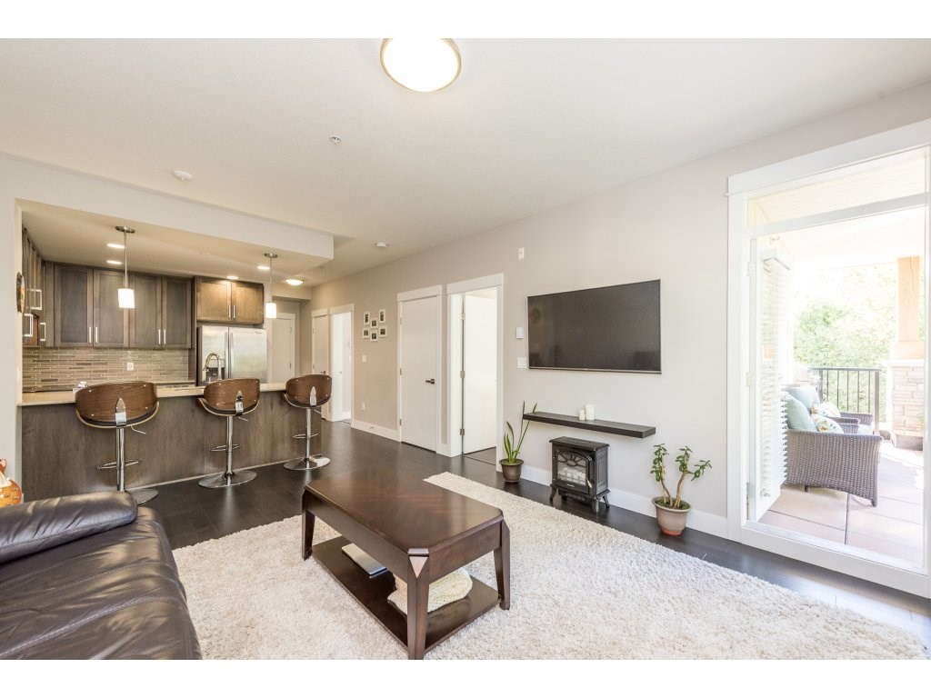 "Photo 4: 508 2495 WILSON Avenue in Port Coquitlam: Central Pt Coquitlam Condo for sale in ""ORCHID RIVERSIDE CONDOS"" : MLS® # R2204780"