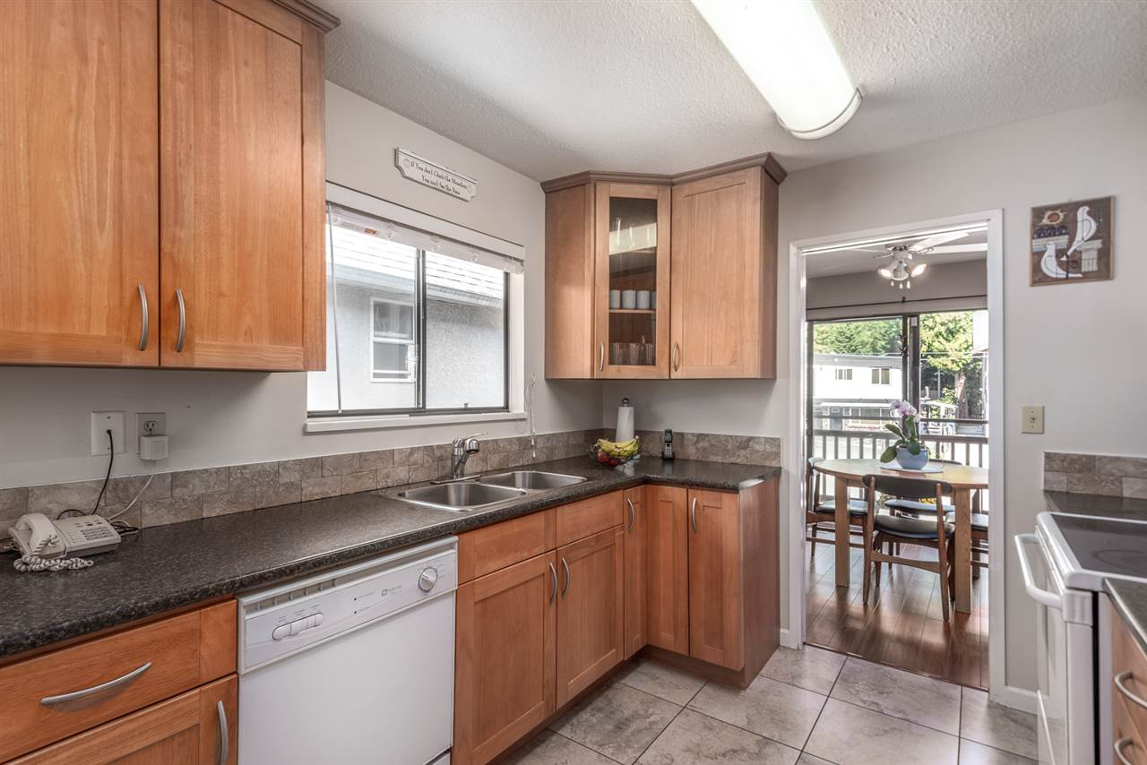 Photo 6: Photos: 573 W 28TH Street in North Vancouver: Upper Lonsdale House for sale : MLS® # R2210226