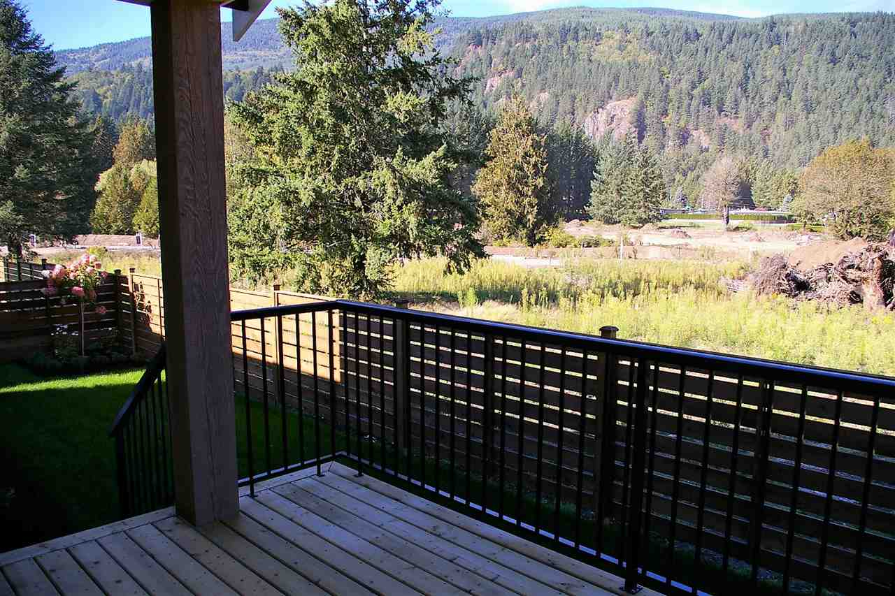"Photo 12: Photos: 38 1885 COLUMBIA VALLEY Road: Lindell Beach House for sale in ""AQUADEL CROSSING"" (Cultus Lake)  : MLS® # R2212613"
