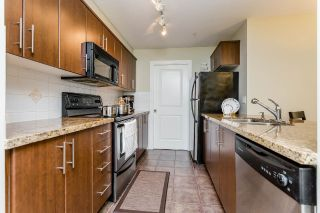 Main Photo: 302 3260 ST JOHNS Street in Port Moody: Port Moody Centre Condo for sale : MLS® # R2220505
