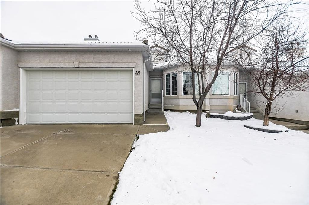 Main Photo: 49 HAMPSTEAD Green NW in Calgary: Hamptons House for sale : MLS® # C4145042
