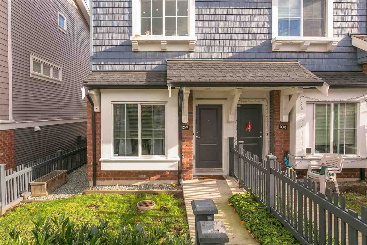 "Main Photo: 109 14833 61 Avenue in Surrey: Sullivan Station Townhouse for sale in ""ASHBURY HILL"" : MLS® # R2224306"