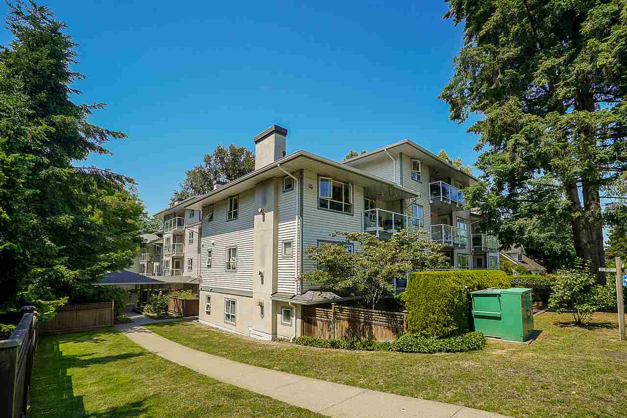 "Main Photo: 205 5577 SMITH Avenue in Burnaby: Central Park BS Condo for sale in ""COTTONWOOD GROVE"" (Burnaby South)  : MLS®# R2282165"
