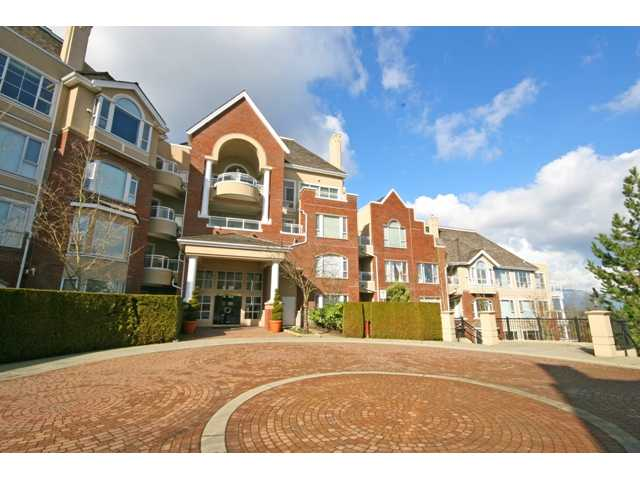 "Main Photo: 305 5262 OAKMOUNT Crescent in Burnaby: Oaklands Condo for sale in ""ST. ANDREWS"" (Burnaby South)  : MLS® # V882257"