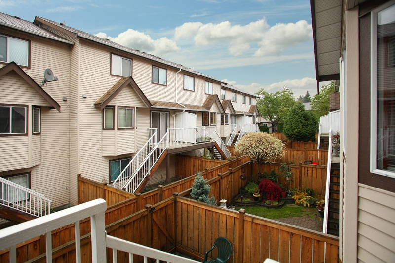 Photo 13: 17 2352 PITT RIVER Road in Port Coquitlam: Mary Hill Townhouse for sale : MLS(r) # V919687