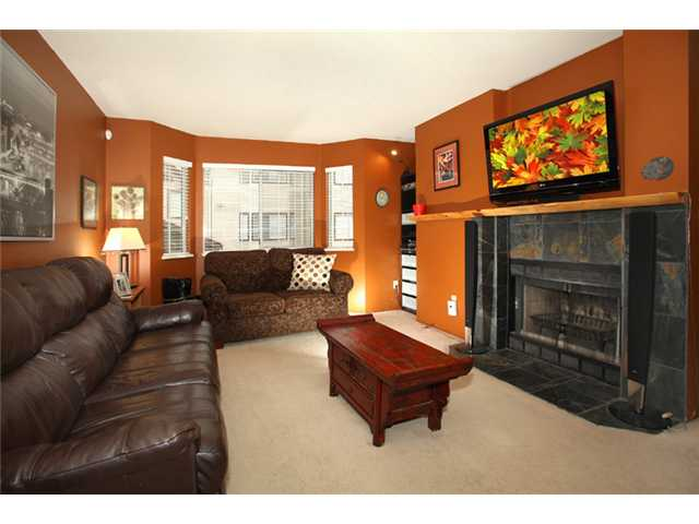 Photo 2: 17 2352 PITT RIVER Road in Port Coquitlam: Mary Hill Townhouse for sale : MLS(r) # V919687