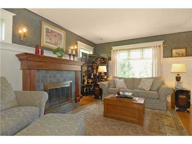 Photo 2: 416 10TH Street in New Westminster: Uptown NW House for sale : MLS® # V999379
