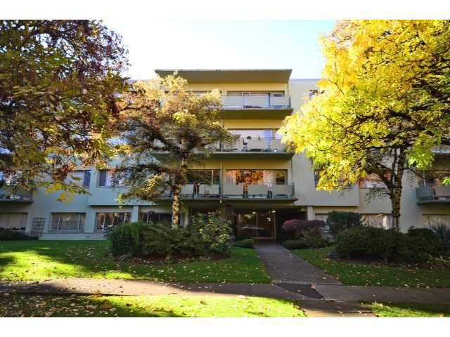"Main Photo: 208 5475 VINE Street in Vancouver: Kerrisdale Condo for sale in ""VINECREST MANOR LTD"" (Vancouver West)  : MLS(r) # V1034662"