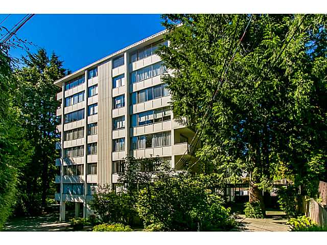 "Main Photo: 705 1785 ESQUIMALT Avenue in West Vancouver: Ambleside Condo for sale in ""SHALIMAR"" : MLS® # V1041564"