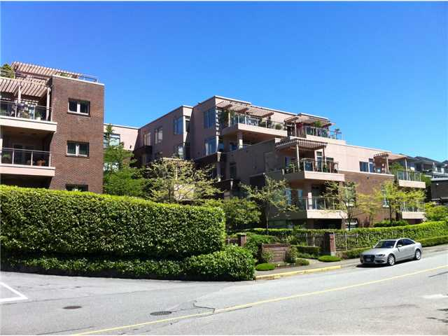 "Main Photo: 306 2271 BELLEVUE Avenue in West Vancouver: Dundarave Condo for sale in ""The Rosemont on Bellevue"" : MLS®# V1048262"