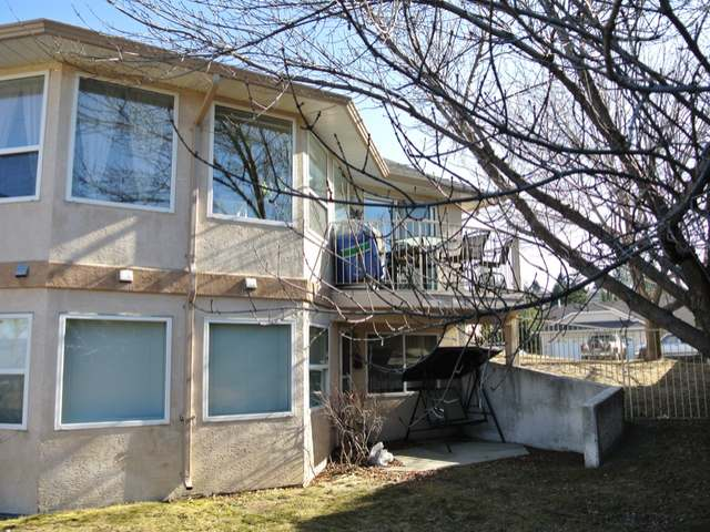 Photo 8: Photos: 1 1750 MCKINLEY Court in : Sahali Townhouse for sale (Kamloops)  : MLS® # 125907