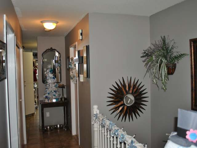 Photo 6: Photos: 1 1750 MCKINLEY Court in : Sahali Townhouse for sale (Kamloops)  : MLS® # 125907