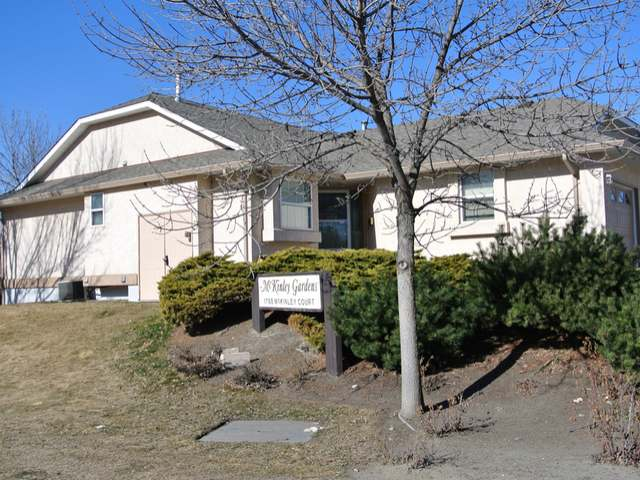Photo 9: Photos: 1 1750 MCKINLEY Court in : Sahali Townhouse for sale (Kamloops)  : MLS® # 125907