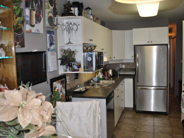 Photo 3: Photos: 1 1750 MCKINLEY Court in : Sahali Townhouse for sale (Kamloops)  : MLS® # 125907