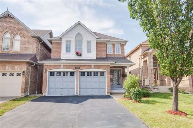 Main Photo: 7047 N Magistrate Terrace in Mississauga: Meadowvale Village House (2-Storey) for sale : MLS(r) # W3275593