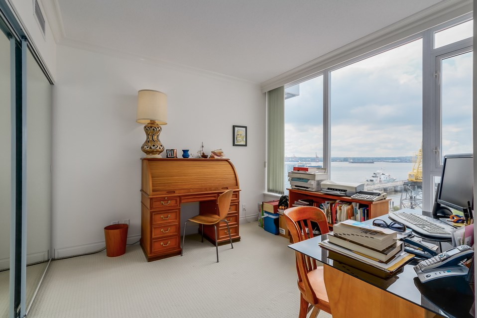 Photo 14: 602 133 E ESPLANADE in North Vancouver: Lower Lonsdale Condo for sale : MLS® # R2054454