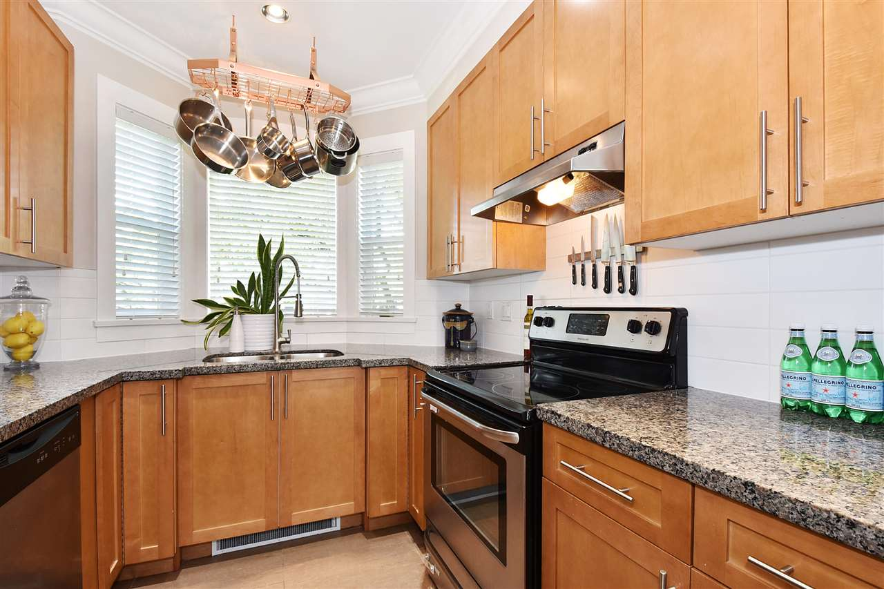 "Photo 6: 1386 E 27TH Avenue in Vancouver: Knight Townhouse for sale in ""VILLA @27"" (Vancouver East)  : MLS® # R2074490"