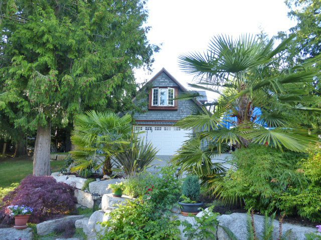 "Photo 3: Photos: 8099 WESTWOOD Road in Halfmoon Bay: Halfmn Bay Secret Cv Redroofs House for sale in ""Welcome Woods"" (Sunshine Coast)  : MLS®# R2079832"