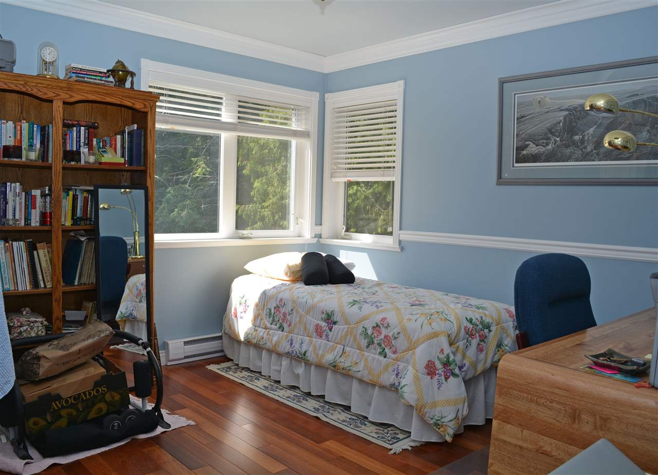 "Photo 10: Photos: 8099 WESTWOOD Road in Halfmoon Bay: Halfmn Bay Secret Cv Redroofs House for sale in ""Welcome Woods"" (Sunshine Coast)  : MLS®# R2079832"