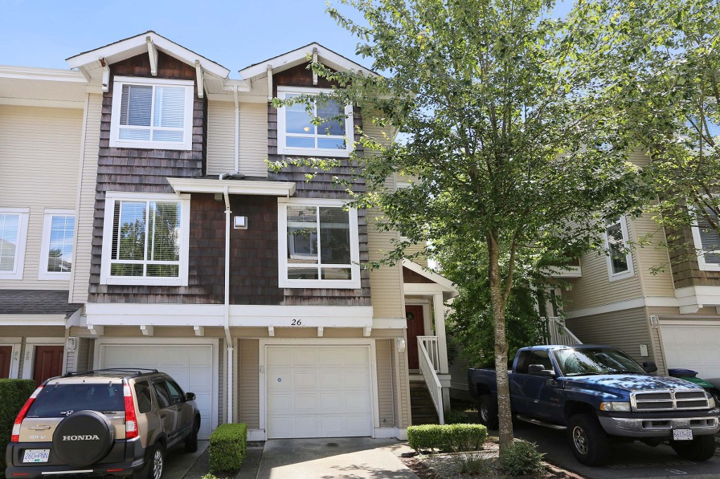 "Main Photo: 26 15030 58 Avenue in Surrey: Sullivan Station Townhouse for sale in ""Summerleaf"" : MLS® # R2081504"
