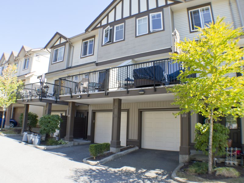 "Main Photo: 118 4401 BLAUSON Boulevard in Abbotsford: Abbotsford East Townhouse for sale in ""THE SAGE"" : MLS(r) # R2100034"