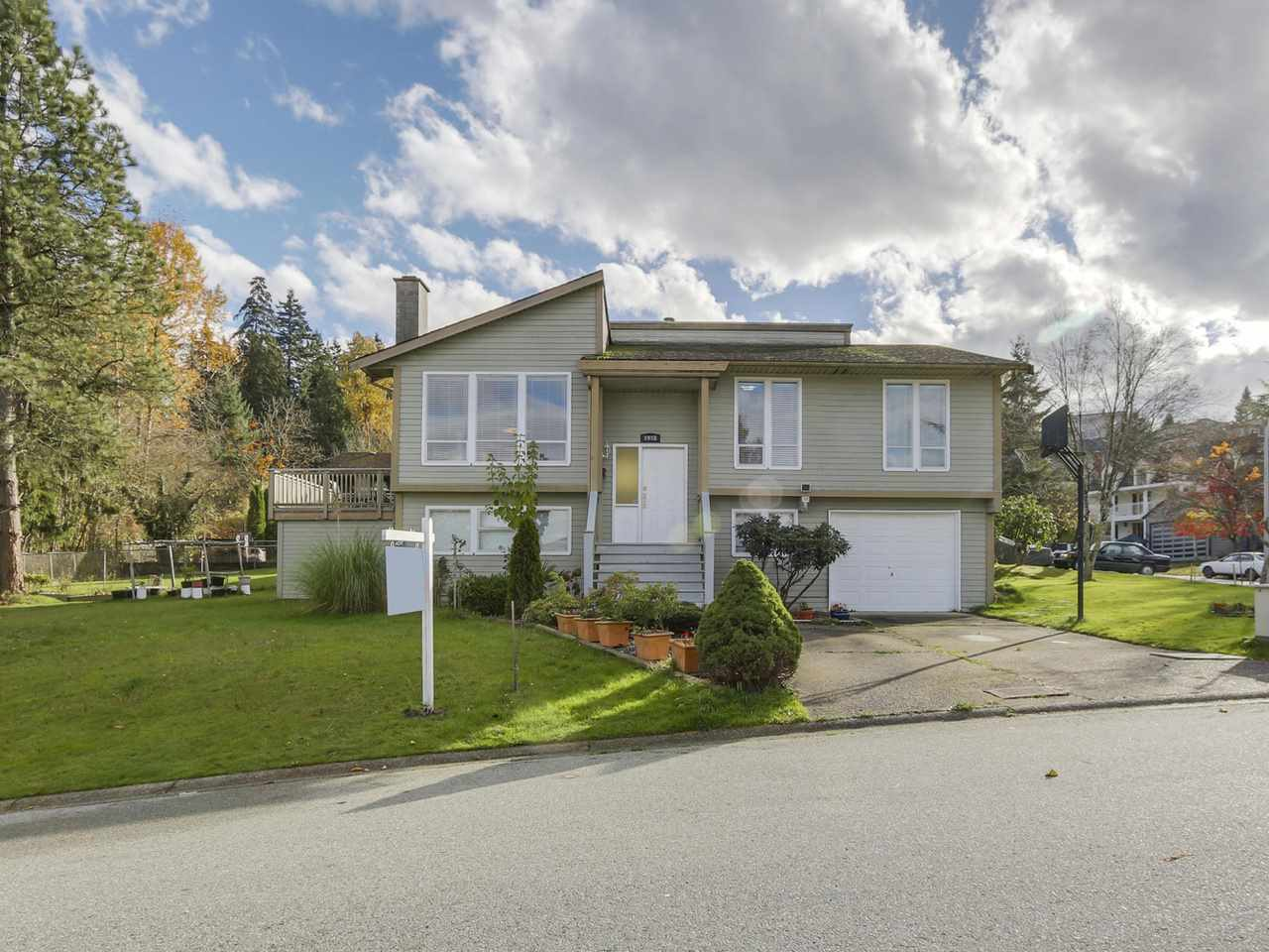 Main Photo: 9998 117 Street in Surrey: Royal Heights House for sale (North Surrey)  : MLS®# R2122445