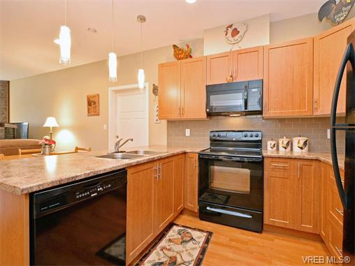 Photo 6: 9 1893 Prosser Road in SAANICHTON: CS Saanichton Townhouse for sale (Central Saanich)  : MLS® # 375240