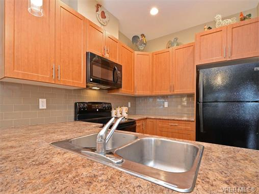 Photo 8: 9 1893 Prosser Road in SAANICHTON: CS Saanichton Townhouse for sale (Central Saanich)  : MLS® # 375240
