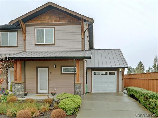 Photo 1: 9 1893 Prosser Road in SAANICHTON: CS Saanichton Townhouse for sale (Central Saanich)  : MLS® # 375240