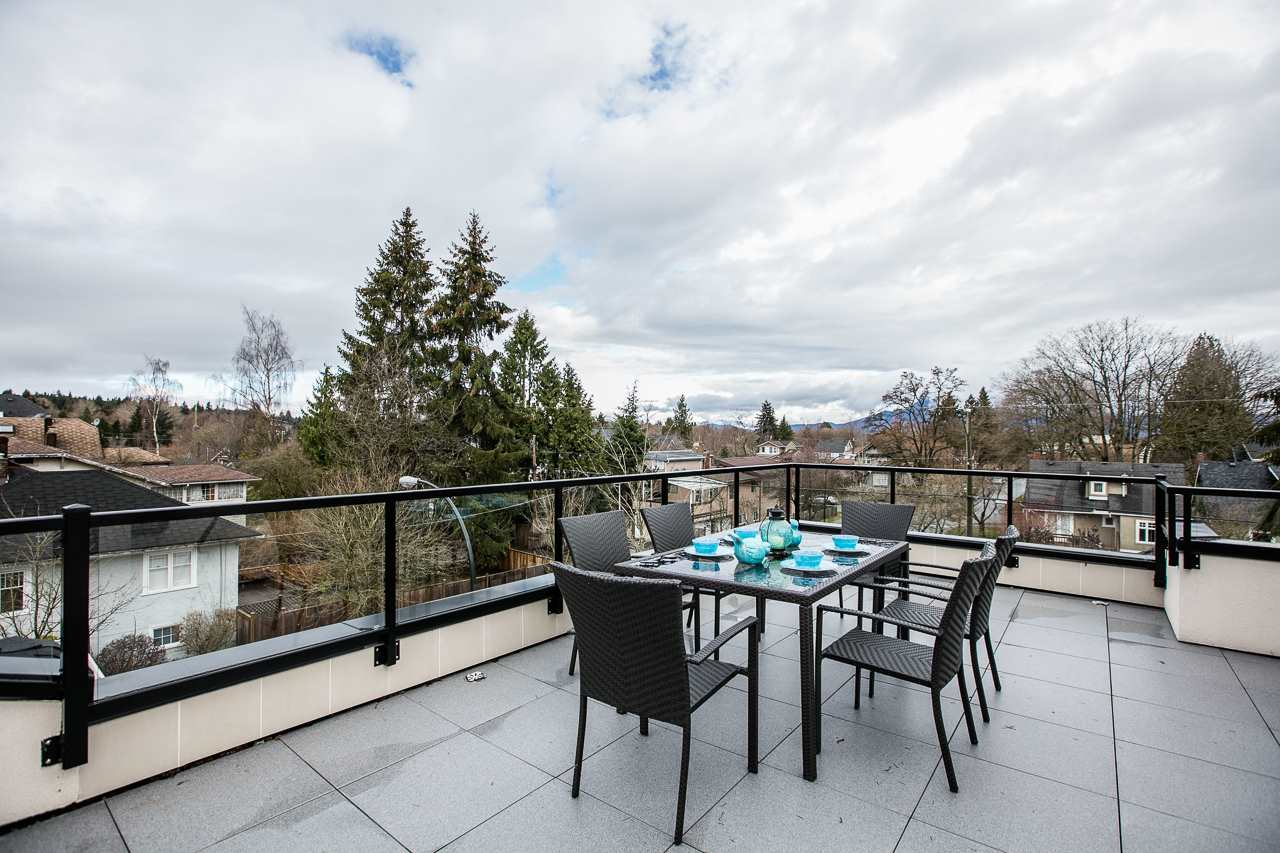 "Main Photo: 3995 W 19TH Avenue in Vancouver: Dunbar House for sale in ""DUNBAR"" (Vancouver West)  : MLS(r) # R2147675"