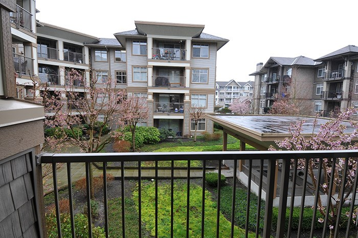 "Main Photo: 225 12238 224TH Street in Maple Ridge: East Central Condo for sale in ""URBANO"" : MLS® # R2152915"