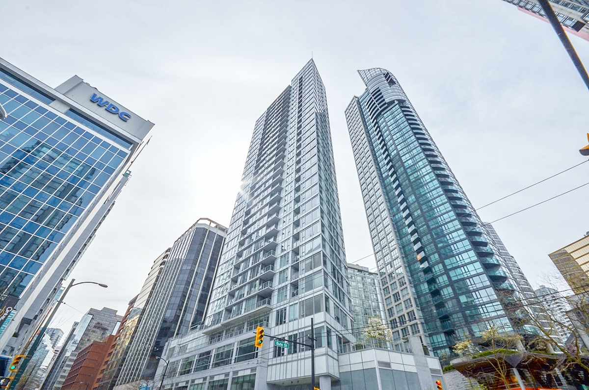 Main Photo: 3002 1188 W PENDER Street in Vancouver: Coal Harbour Condo for sale (Vancouver West)  : MLS(r) # R2158247