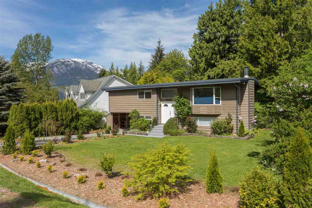 "Main Photo: 40205 KINTYRE Drive in Squamish: Garibaldi Highlands House for sale in ""Garibaldi Highlands"" : MLS® # R2170328"
