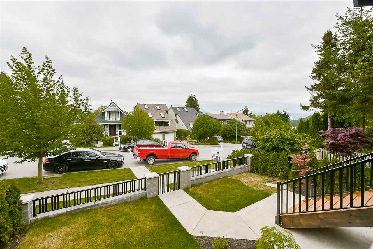 Photo 2: 4248 ETON Street in Burnaby: Vancouver Heights House for sale (Burnaby North)  : MLS(r) # R2171935