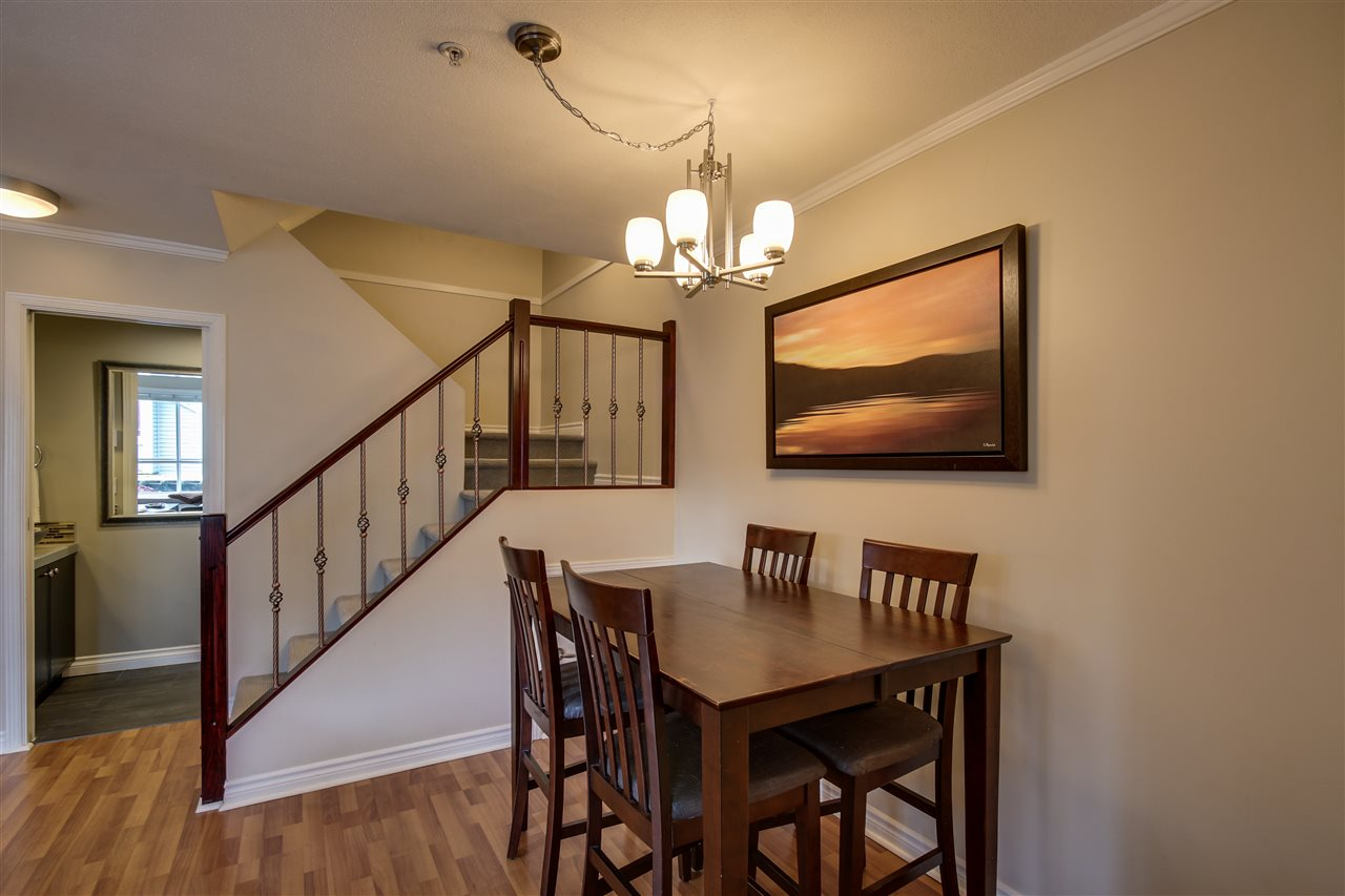 "Photo 10: 7335 MAGNOLIA Terrace in Burnaby: Highgate Townhouse for sale in ""Monterey"" (Burnaby South)  : MLS(r) # R2179211"
