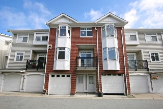 "Main Photo: 79 19551 66 Avenue in Surrey: Clayton Townhouse for sale in ""Manhattan Skye"" (Cloverdale)  : MLS(r) # R2183461"