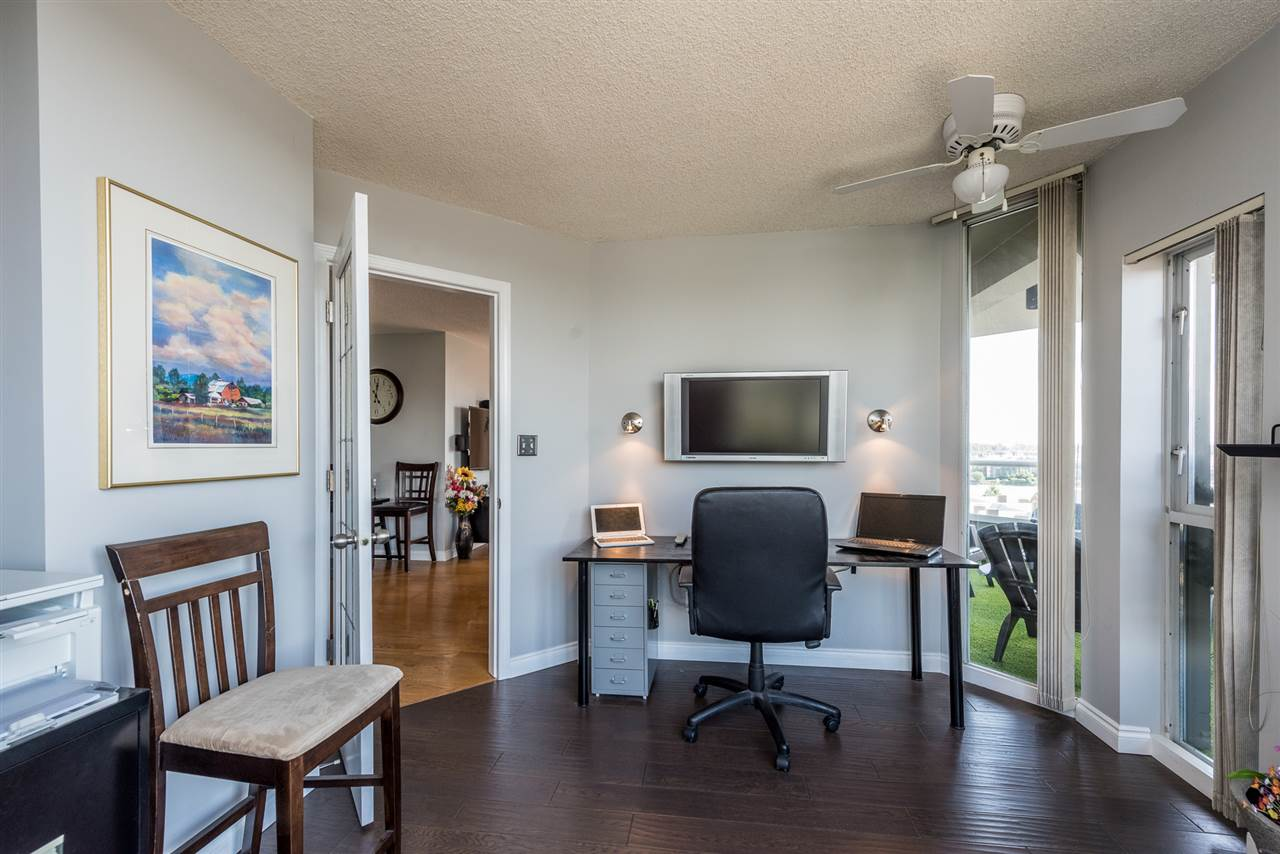 "Photo 10: 1002 1135 QUAYSIDE Drive in New Westminster: Quay Condo for sale in ""ANCHOR POINTE"" : MLS(r) # R2184263"