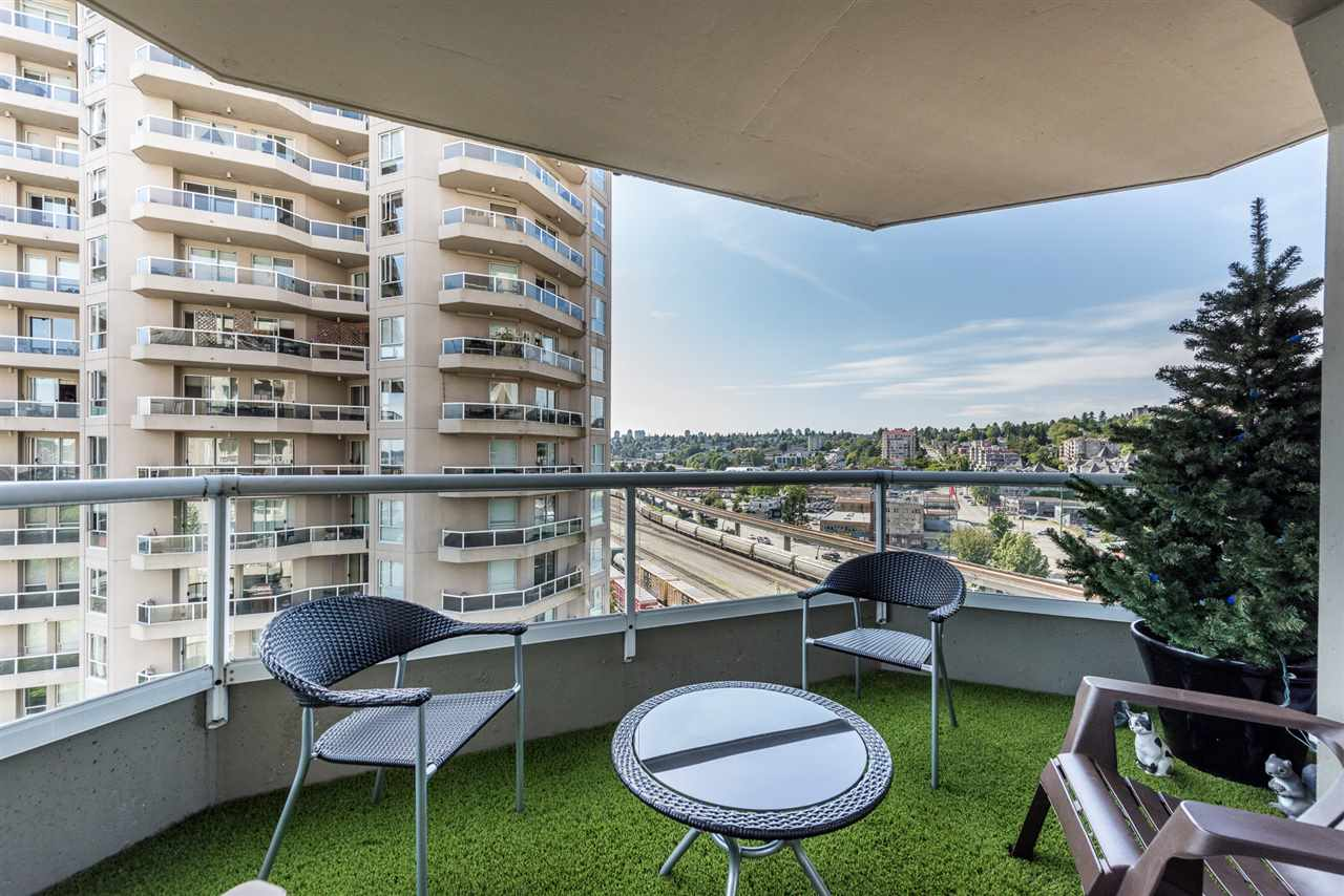 "Photo 11: 1002 1135 QUAYSIDE Drive in New Westminster: Quay Condo for sale in ""ANCHOR POINTE"" : MLS(r) # R2184263"