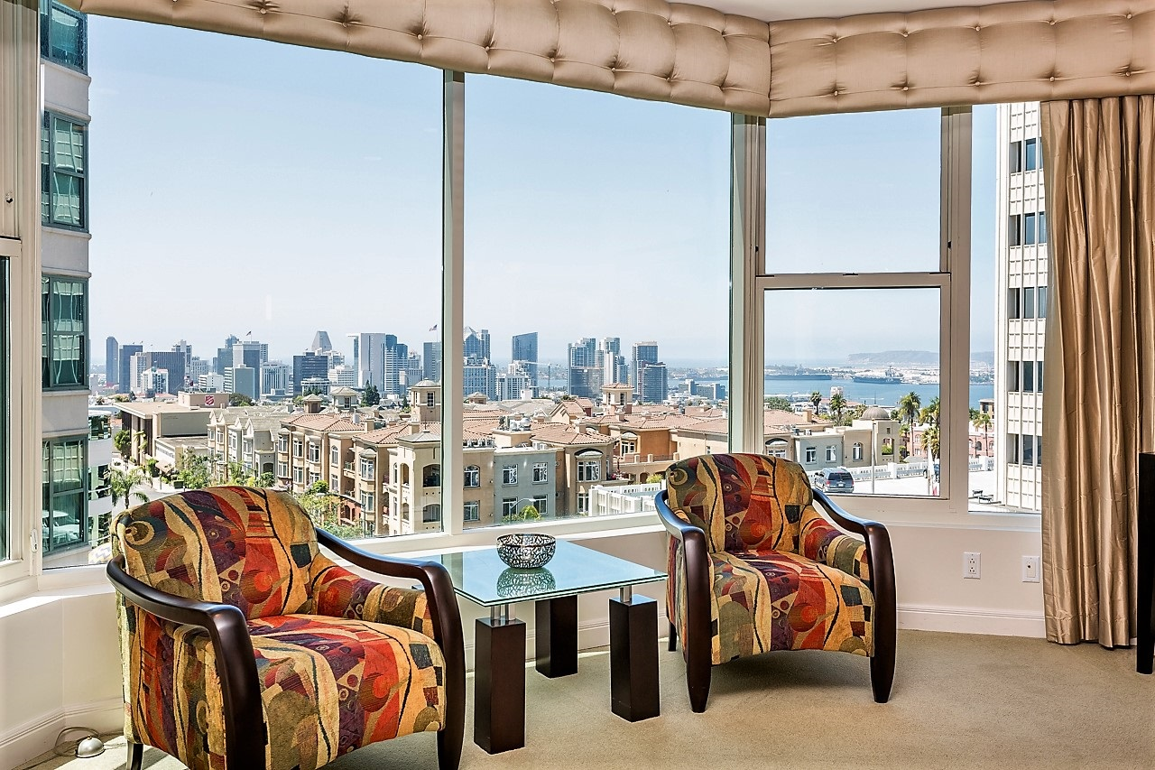 Living Room with Gorgeous Downtown and Bay Views